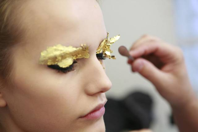 make-up-oro