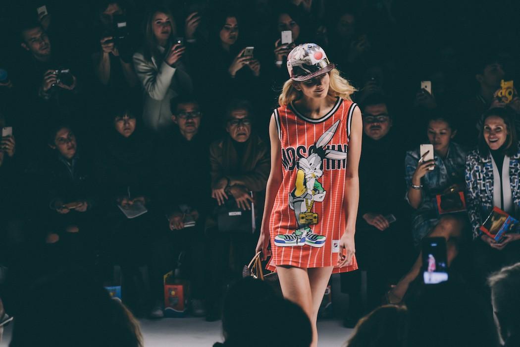 Moschino-Fall-Winter-2015-2016-Milan-Fashion-Week-29-1050x700