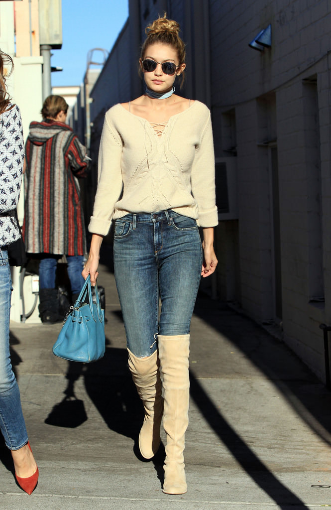 51911106 Model Gigi Hadid and some friends are spotted out for lunch at Il Pastaio in Beverly Hills, California on November 17, 2015. Afterwards the group of friends stopped by a nail salon to get their nails done. FameFlynet, Inc - Beverly Hills, CA, USA - +1 (818) 307-4813