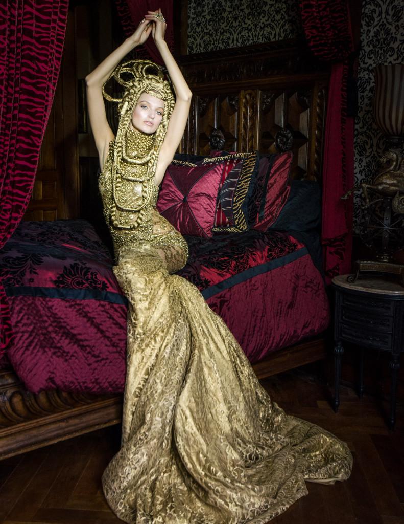 The Golden Queen-5