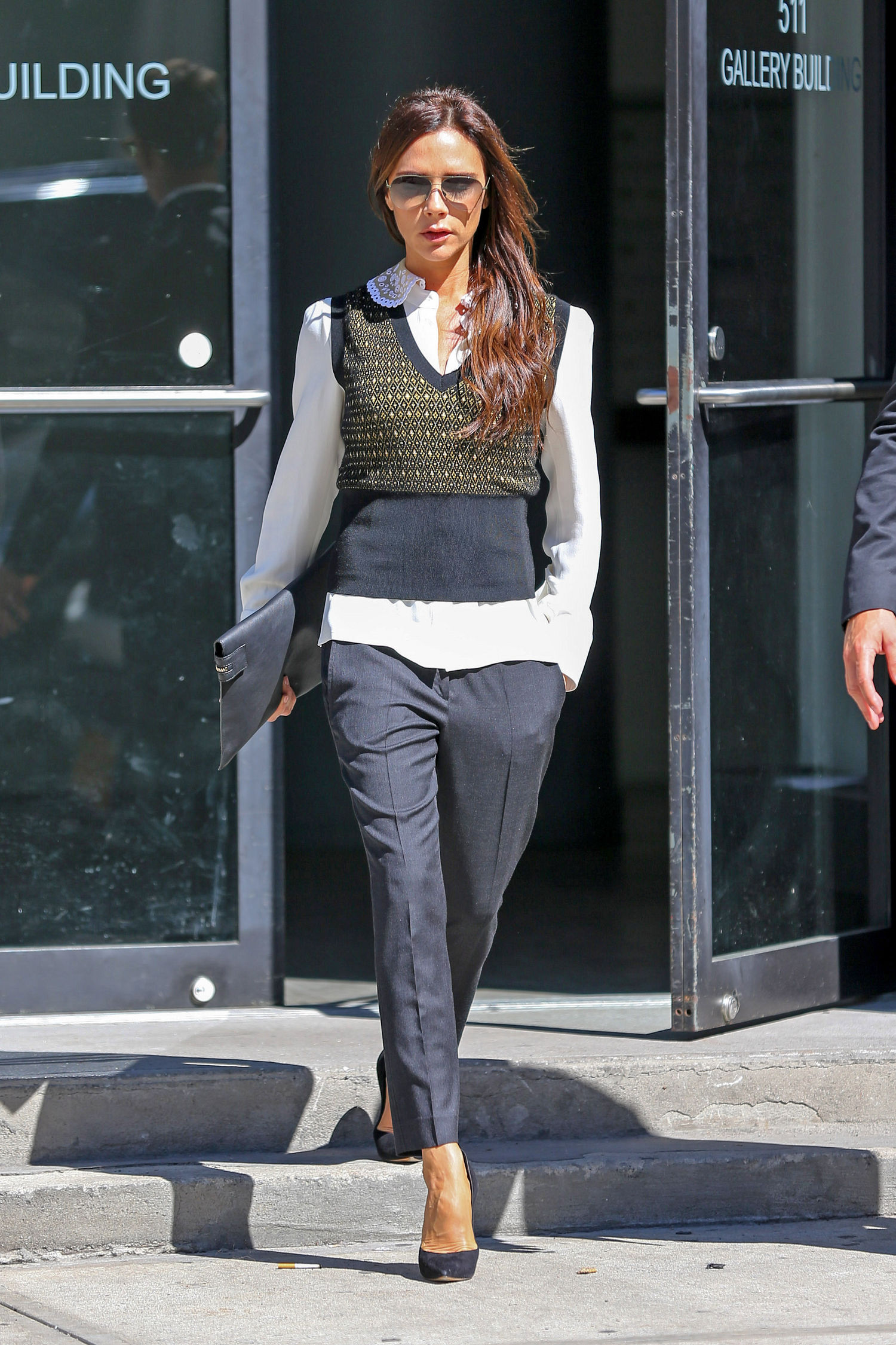 victoria-beckham-outfit-idea-sweater-vest-main